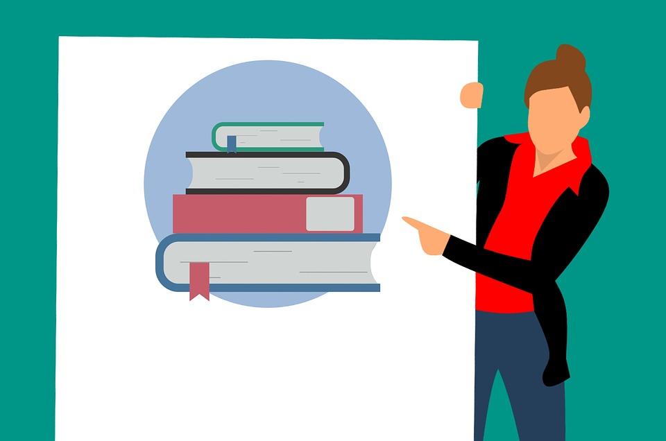 Animación de una mujer señalando unos libros